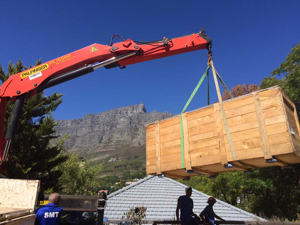 Unloading the K6 - Cape Town